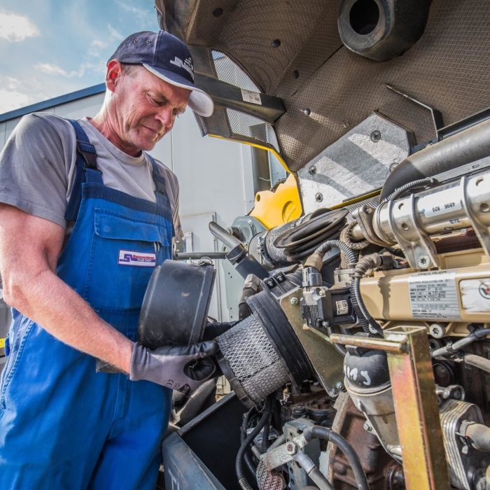 service-untersuchungen » Baumaschinen Boneß GmbH