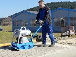 Bodenverdichter CR 2 Hd » Baumaschinen Boneß GmbH