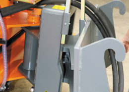 Kehrmaschine Bema 30 Dual L28-35 » Baumaschinen Boneß GmbH